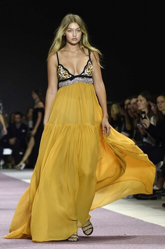 dress fashion week gigi hadid maxi dress runway yellow dress summer dress