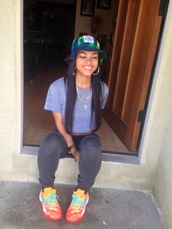 blouse,shoes,hat,jewels,pants,shirt,grey sweatpants,kd,colorful hats,leggings,multicolor sneakers,cross,hoop earrings,grey t-shirt,india westbrooks,kds,bucket hat,nike zoom kobe 8 (viii),india love,grey shirt,swag,smile,joggers,orange and neon pink nikes,dope,swag top,crop tops,sneakers