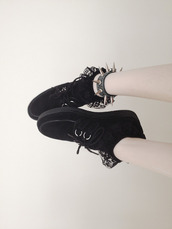 shoes,black,laces,cute,dark,jewels,socks,grunge,soft grunge,goth hipster,spikes,pale,pale grunge