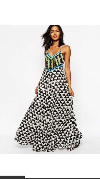 dress maxi dress maxi tribal pattern aztec dress aztec summer dress boho chic boho dress streetstyle streetwear style hippie sleeveless dress black and white dress triangle