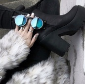sunglasses,shoes,black,blue retro sunglasses,retro sunglasses,hipster,glasses,weheartit,black shoes,coat,fur coat,pants,rings and tings,blue,reflect,circle,silver,sexy,sunflower,round sunglasses
