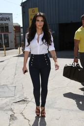 jeans,high waisted jeans,high waisted,sexy,summer,so cool jeans,amazing,Miss Kardashian,fashion must,fashion lover,kim kardashian,shirt,pants,kardashians,black pants,white,white blouse,style,blouse,clothes