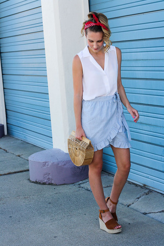 twenties girl style blogger top skirt bag shoes cult gaia bag wedges sandals blue skirt white top summer outfits