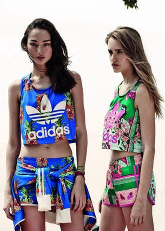 tank top adidas shorts gym shorts fit fitness gym gym clothes shirt set crop tops dope flowers pants vintage athletic summer adidas originals colorful blue green blonde hair black pattern matching set adidas sweats flowered shorts blue shirt crop multicolor floral