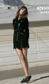 shoes,sneakers,all black everything,black,instagram,editorial,skirt,alexa chung