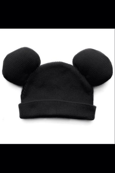 knit disney mickey mouse