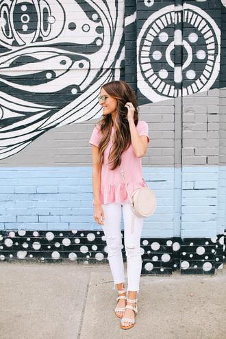 t-shirt peplum tee ruffle hem tee skinny jeans white skinny jeans distressed denim sandals blogger blogger style crossbody bag