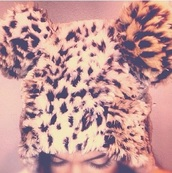 hat,kylie jenner,kendall jenner,beanie,leopard print