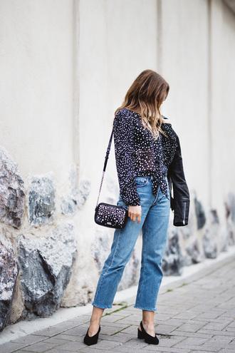 jeans tumblr blue jeans mom jeans shirt polka dots bag shoulder bag shoes slingbacks black shoes