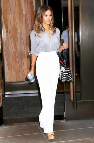 pants bag white pants shirt blue shirt high waisted pants platform heels jessica alba celebrity style celebrity