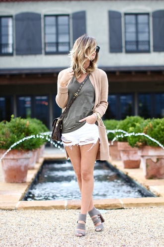 for all things lovely blogger cardigan t-shirt shorts shoes bag jewels green t-shirt long cardigan nude cardigan crossbody bag black sunglasses sunglasses distressed denim shorts white shorts sandals grey sandals block heels stacked wood heels