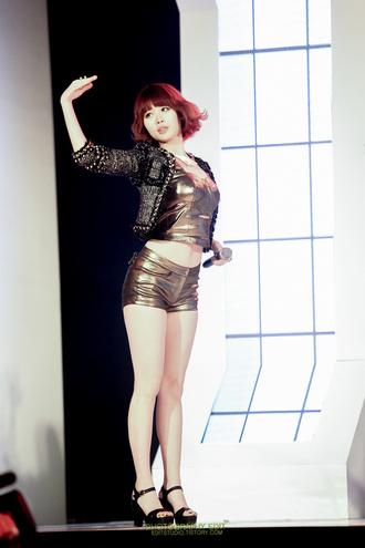 tank top kim yura yura girl's day kpop korean fashion asian fashion korea shoes golden shorts top short top kpop idol mini shorts