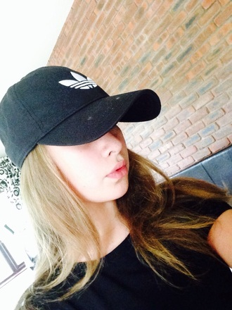 hat adidas cap black and white