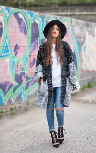 ist by ingrid blogger cardigan shoes hat jewels grey cardigan grey jacket cozy white top ripped jeans skinny jeans black heels lace up heels