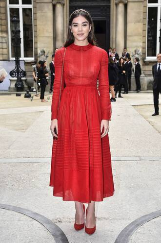 dress hailee steinfeld red dress midi dress pumps paris fashion week 2016