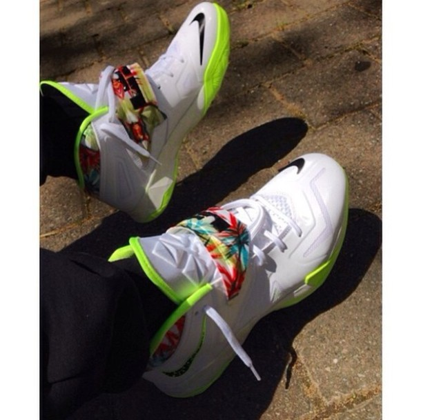 nike zoom soldier vii white