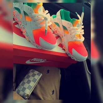 shoes huarache nike sneakers nike colorful nikes neon