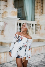 romper,tumblr,floral,floral romper,long sleeve romper,off the shoulder,bag,white bag,tote bag