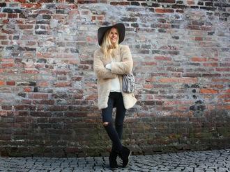 jolie janine blogger wedge sneakers faux fur coat grey bag floppy hat