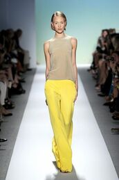 pants,wide-leg pants,top,sleeveless top,nude,nude top,model,runway,summer outfits,office outfits