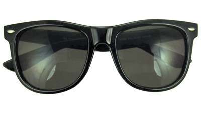 Classic wayfarer sunglasses in black