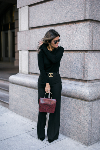 pants tumblr work outfits office outfits belt black pants wide-leg pants high waisted pants gucci gucci belt logo belt top black top bag snake print red bag printed bag sunglasses