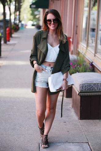 fashionably kay blogger ripped shorts white crop tops trench coat flat sandals white bag
