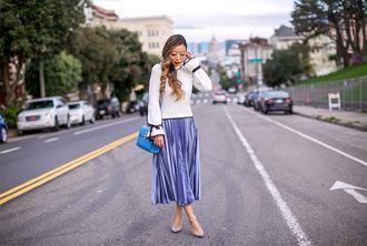 skirt pleated skirt mini skirt sweater pumps clutch blogger blogger style