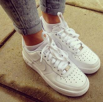 shoes nikes white sneakers
