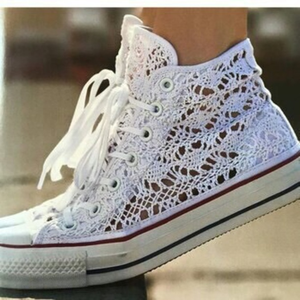 converse lace up