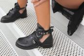 shoes,black,rock