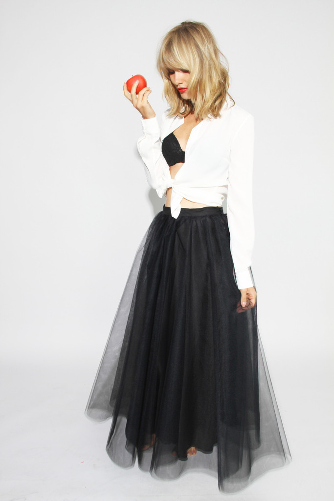 Royal black tulle skirt – the girl that loves