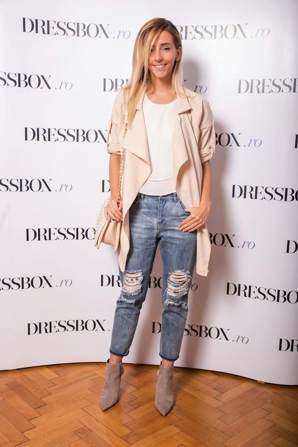 let's talk about fashion ! blogger jacket blouse jeans bag