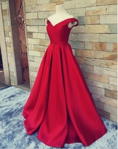 dress,red prom dress,gorgeous dress,i need this help