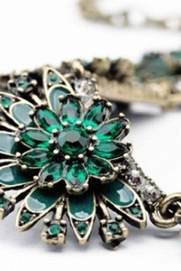 Antique Flower Bib Necklace - OASAP.com