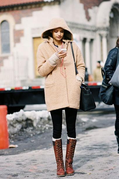 vanessa jackman blogger duffle coat beige brown leather boots winter outfits winter coat coat shoes hooded winter coat