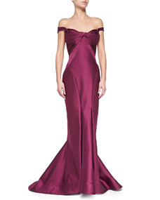 Shoulder gown, plum