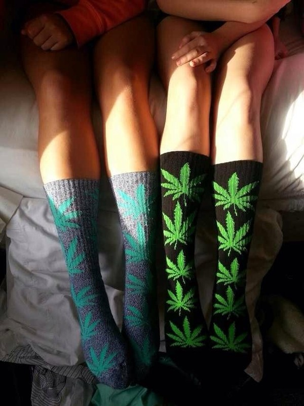 shoes weed socks