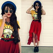 red skirt,red,skirt