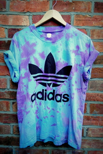 t-shirt adidas originals vintage dye blue&purple shirt purple blue oversized tie dye top purple and blue black adidas sign