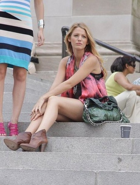 medium heels low boots gossip girl serena van der woodsen brown shoes shoes jacket blake lively emblished serena van der woodsen pink jacket black jacket tie dye