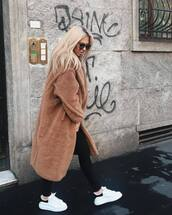 coat,faux fur coat,oversized coat,skinny jeans,black jeans,sneakers,white sneakers,sunglasses