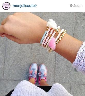 jewels bracelets pearl pearl bracelets gold blue cute girly