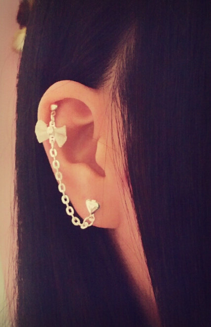 Bow Cartilage Chain Earring by SimplyyCharming on Etsy
