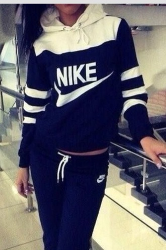 sweater hoodie jacket navy stripes athletic dark blue black style shirt nike sweater black and white sweatshirt pants nike jumpsuit t-shirt winter outfits sportswear winter sweater nike sportswear nike air black sweater white sweater joggers white tracksuit band t-shirt