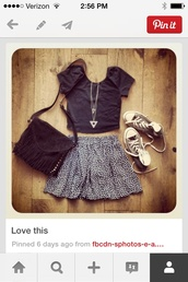 shirt,skirt,floral skirt,black crop top,triangle necklace,floral,ditsy floral,skater skirt,navy,casual,everyday wear,crop tops,t-shirt,bag,jewels,shoes,grey skirt,black and white