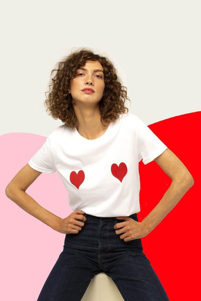 Le t-shirt à coeurs rouges Lolita