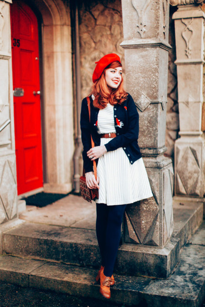 the clothes blogger beret white dress winter dress knitted cardigan