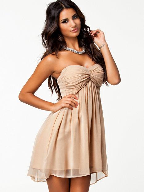 Short Dreamy Dress - Nly Trend - Champagne - Festklänningar - Kläder - Kvinna - Nelly.com