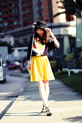 mochaccinoland blogger sweater hat yellow circle skirt skirt jewels bag shoes